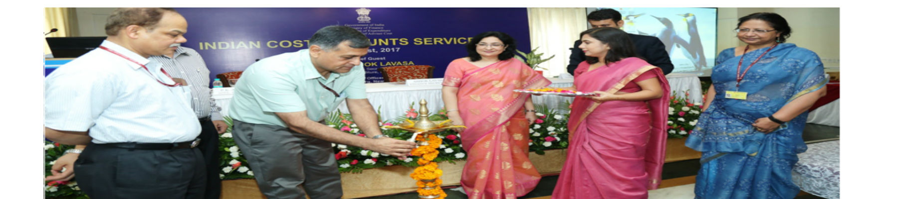 Shri Ashok Lavasa, Finance Secretary as the Chief Guest inaugurating the Indian Cost Accounts Service Day on 9th August 2017
